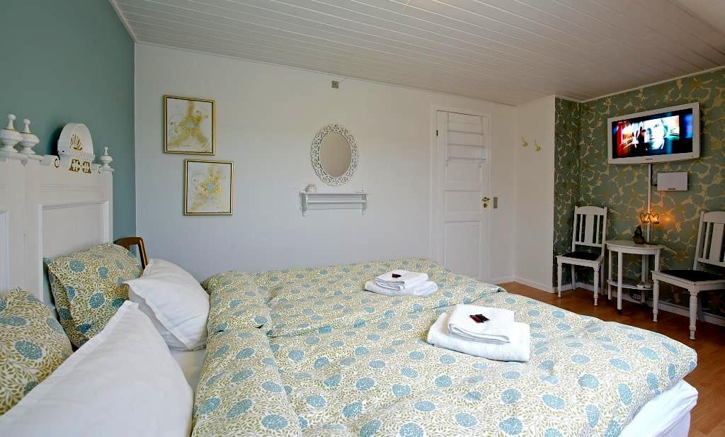 Sommerhusudlejning, bed & breakfast og bondegårdsferie på Bornholm - Bed & Breakfast