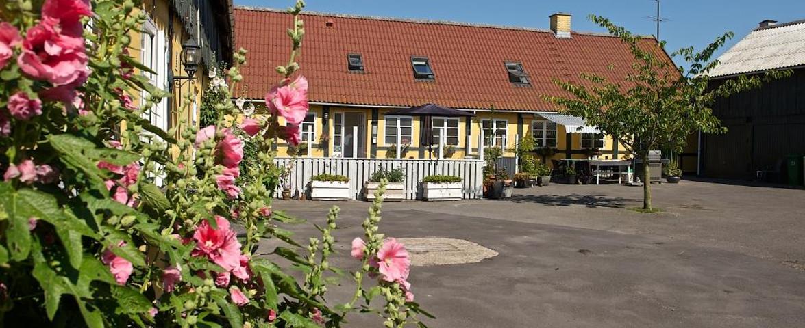 Gården/der Bauernhof/The Farm